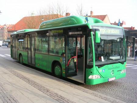 Bus hijau dalam kota